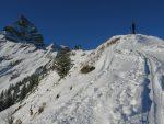 La très courte arête pour rejoindre le sommet de l'Aiguille de Mex