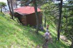 Une cabane sur la crête