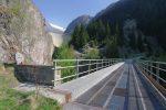 Le pont enjambant la Massa. Le barrage de Staussee-Gibidum que nous verrons peu par la suite