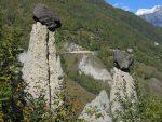 Les rochers tiennent en équilibre mais on dirait que c'est instable ... et pourtant ça tient