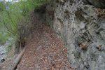 En traversant le Torrent du Saxonnet, je découvre un marquage et un chaîne