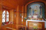 L'intérieur de la chapelle, au flash