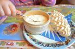 On allait oublier la suite : meringue / double crème