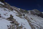 Notre chemin est à flanc de coteau et l'Arpelistock est au centre de la photo