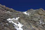 Marquage bleu, la neige rendant cette montée délicate car le terrain est peu stable.