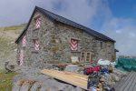 Cette cabane est en préparation pour une réfection de tout l'intérieur, fermée cette été 2008, réouverte en 2009