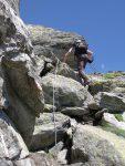 Le rocher offre de bons appuis. Photo Evelyne