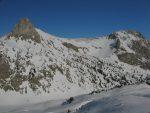 Vue arrière sur le Mont Gardy et une des deux jumelles (chemin accéssible en été)