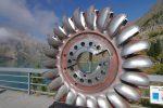 Départ depuis le grand parking au niveau du barrage d'Emosson, vers La Gueulaz 1965m. Au niveau du barrage, il y a une roue à effet Pelletier en exposition.