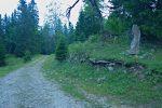 On poursuit notre chemin, avec ce dolmen
