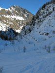 Puis on quitte le barrage pour descendre vers le vallon de Van, dans l'ombre.