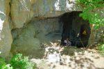 L'entrée de la Grotte de l'Orjobet.