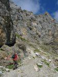 Le col de Hortürli, est en haut à gauche, entre neige et roche