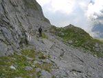 On longe le pied de la falaise par Ryssends Hore