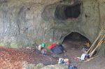 L'entrée de la grotte supérieure