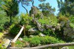 Les Rocailles, la chute d'eau coule depuis ces rochers