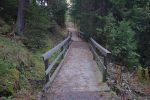 Un pont, bien large