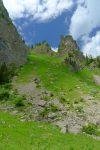 Roc d'Enfer à droite, un autre que celui vu depuis le Roc de Tavaneuse