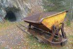 L'entrée de la mine à Hubacher. Ce rail et wagonnet est purement touristique !