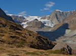 On monte, mais profitons de la vue sur le glacier de Zmutt.