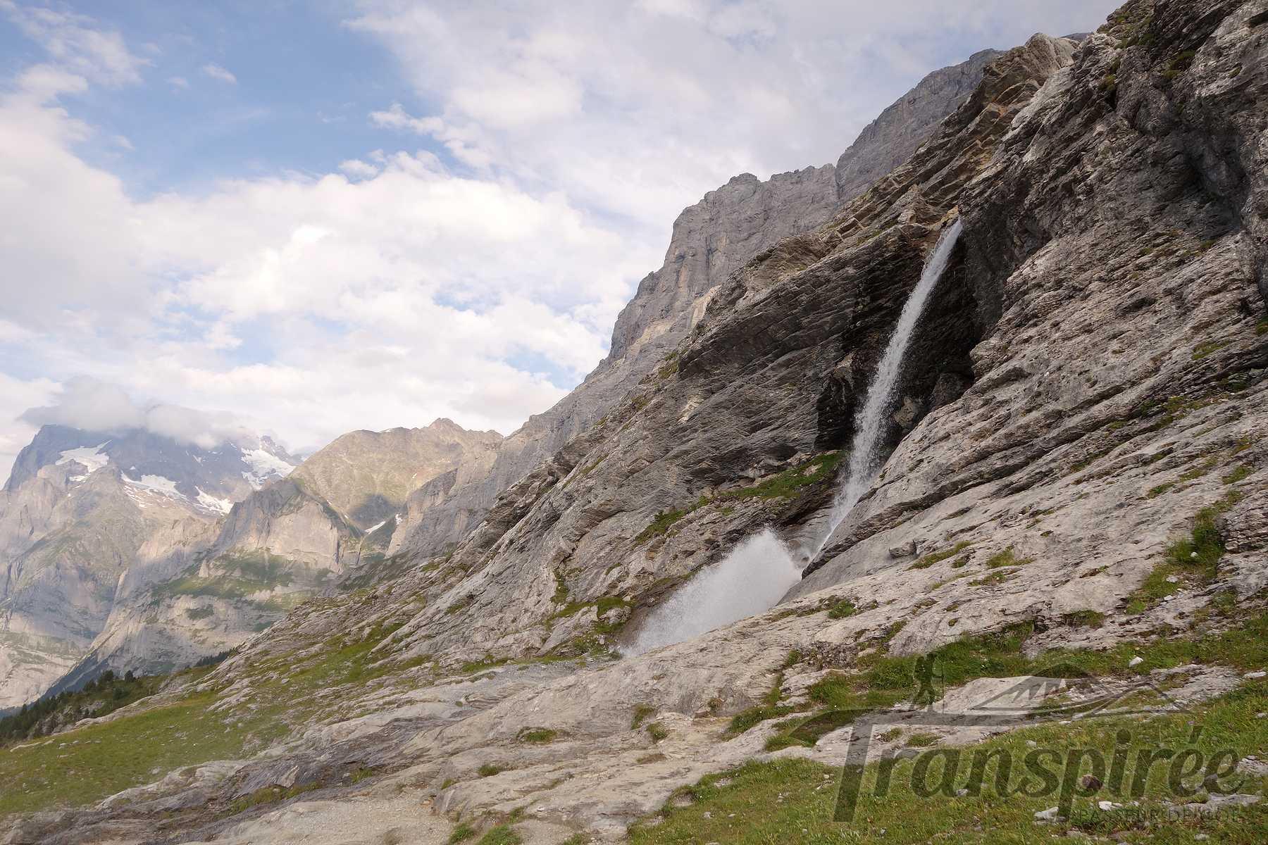 Randonnée à l'Eiger Trail depuis la Mönchsjochhütte jusqu'à Alpiglen