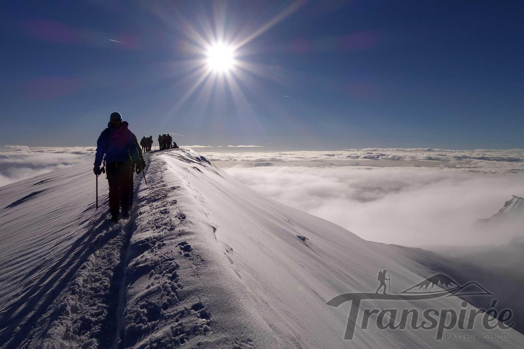 Alpinisme au Mont Blanc depuis le refuge du Goûter et l'arête des Bosses. Retour au Nid d'Aigle