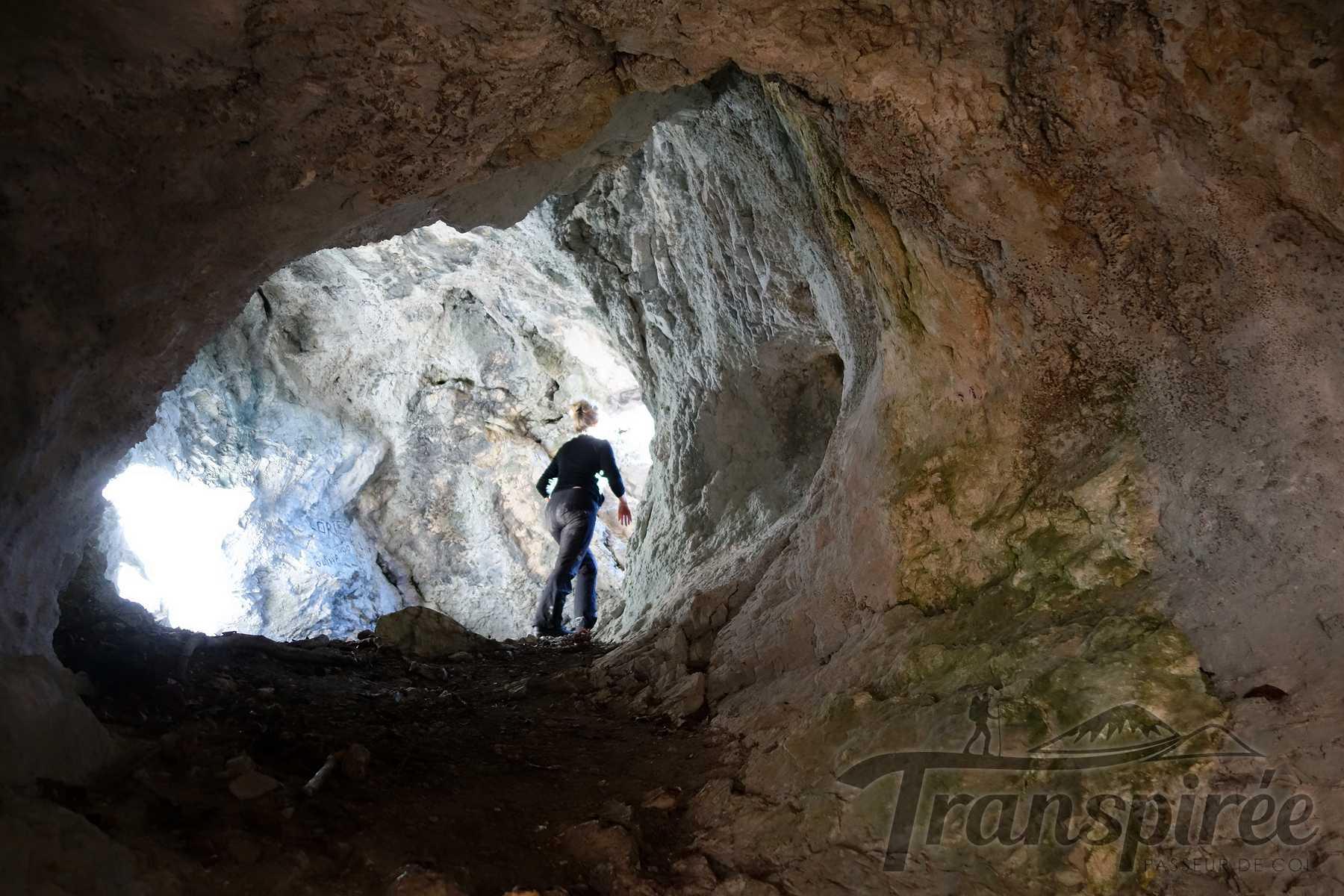 Randonnée à la grotte de Barmafi, pont des Sarrasins et Granges de Lachat