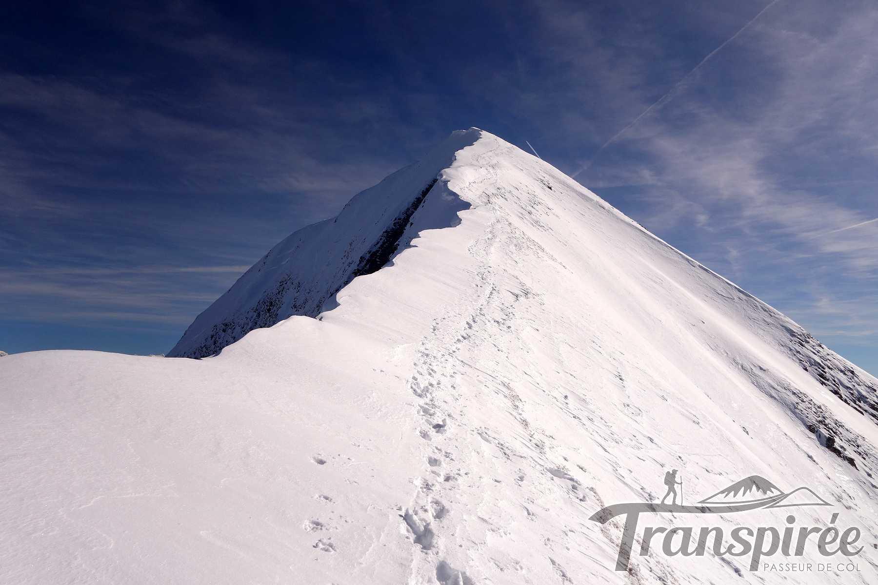 Ski de randonnée au Mont Charvin depuis les Dzeures et les Fours. Descente face O