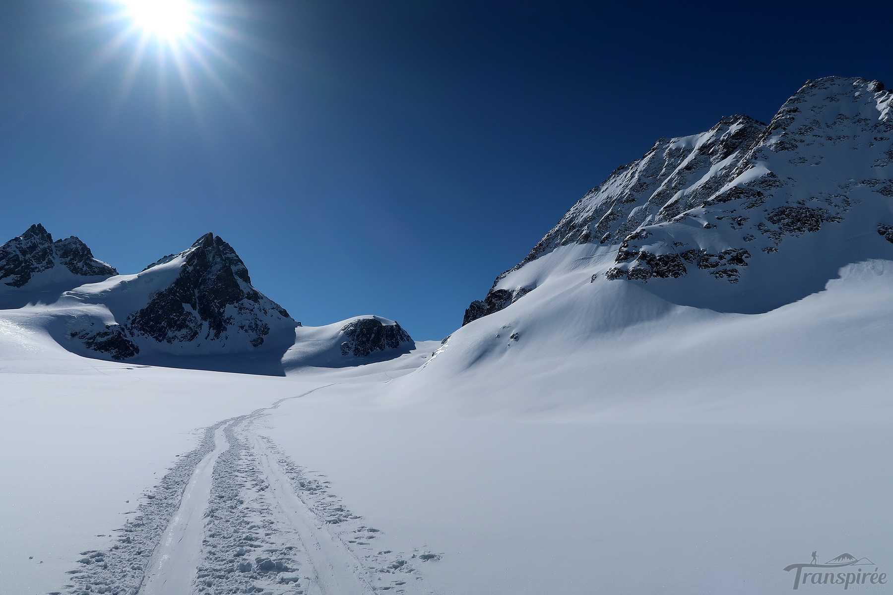 Ski de randonnée au Col de l'Évêque depuis Arolla et la cabane des Vignettes