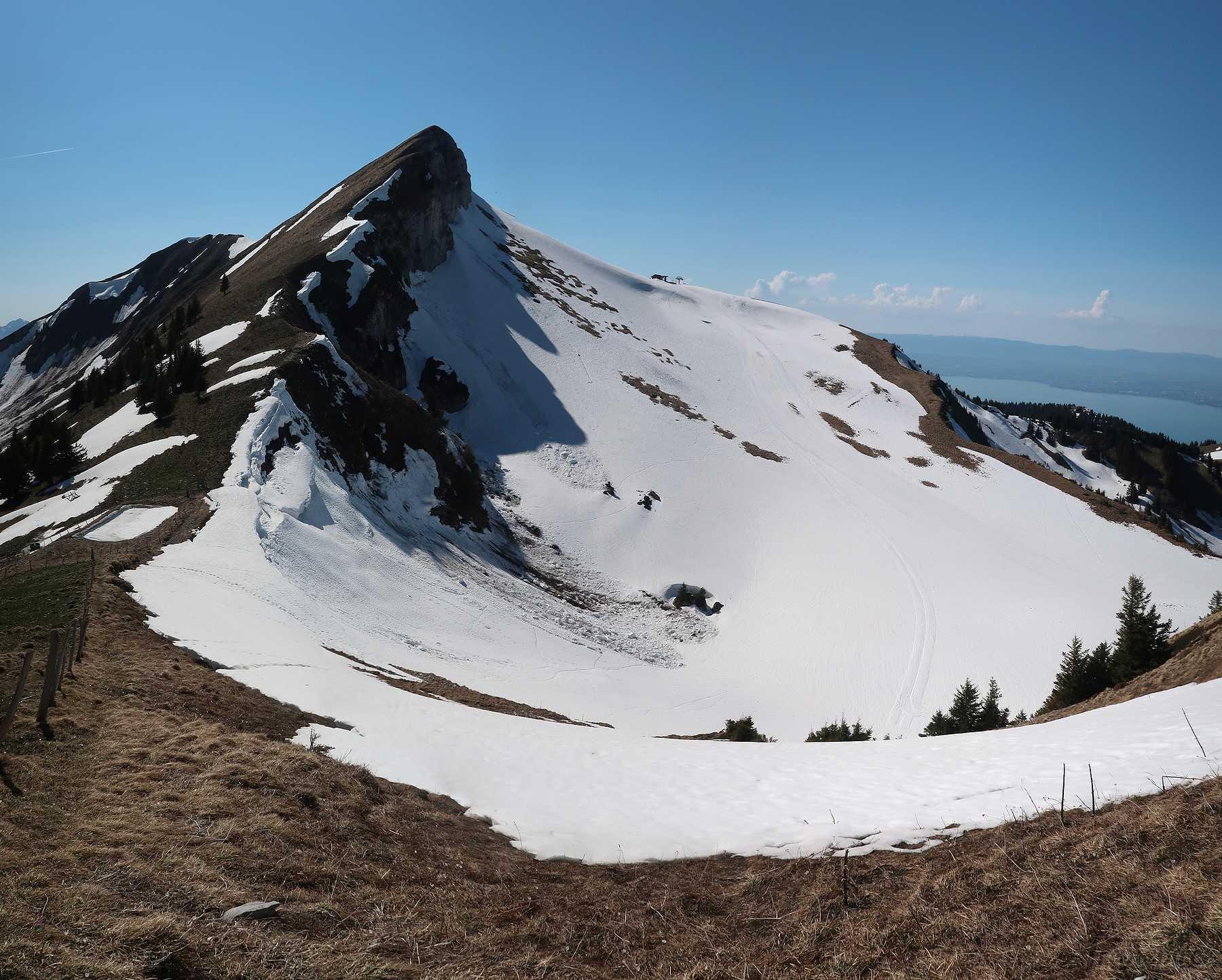 Randonnée à la Pointe de l'Aiguille et Pic Boré depuis Novel