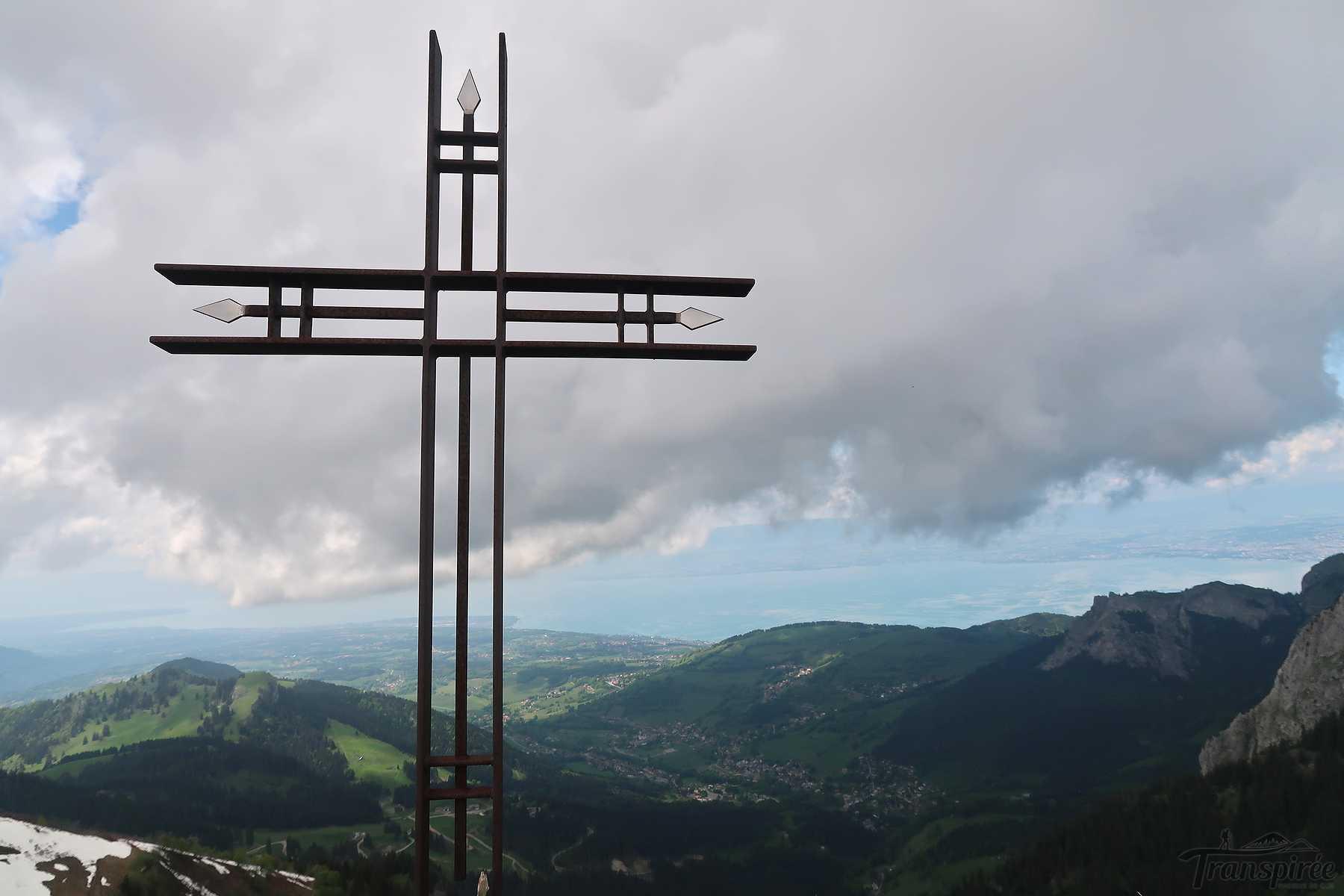 Randonnée à la Pointe de Pelluaz depuis Bernex, le Mont Baron et la Tête des Fieux