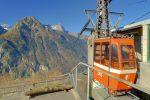 Arrivée en haut du téléphérique, vue sur le Salentin et les Dents du Midi, cela rend la cabine orange et n