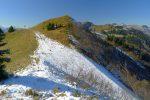J'arrive aux télésièges de Chaux Ronde. Piste de ski sur la droite