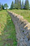 Mur de pierres sèches.