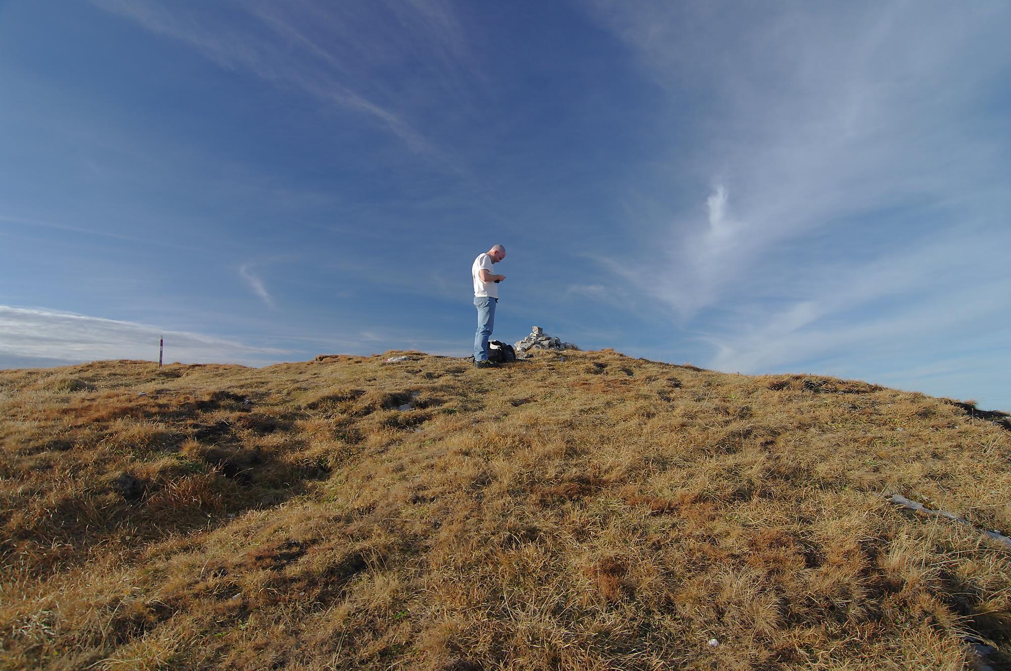 Marc au sommet ... et le Natel a du reseau juste au sommet