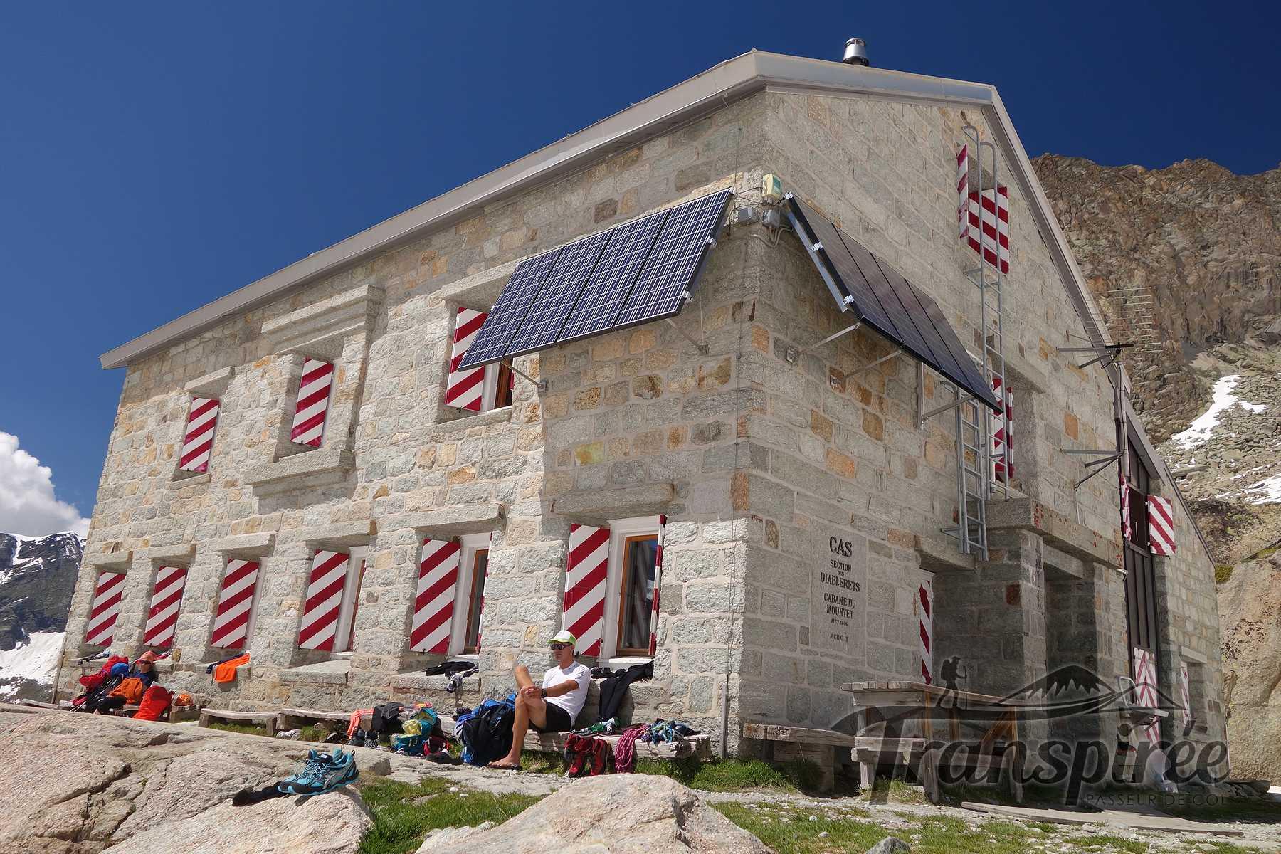 Randonn e la cabane du grand mountet depuis zinal for La plus grande cabane du monde