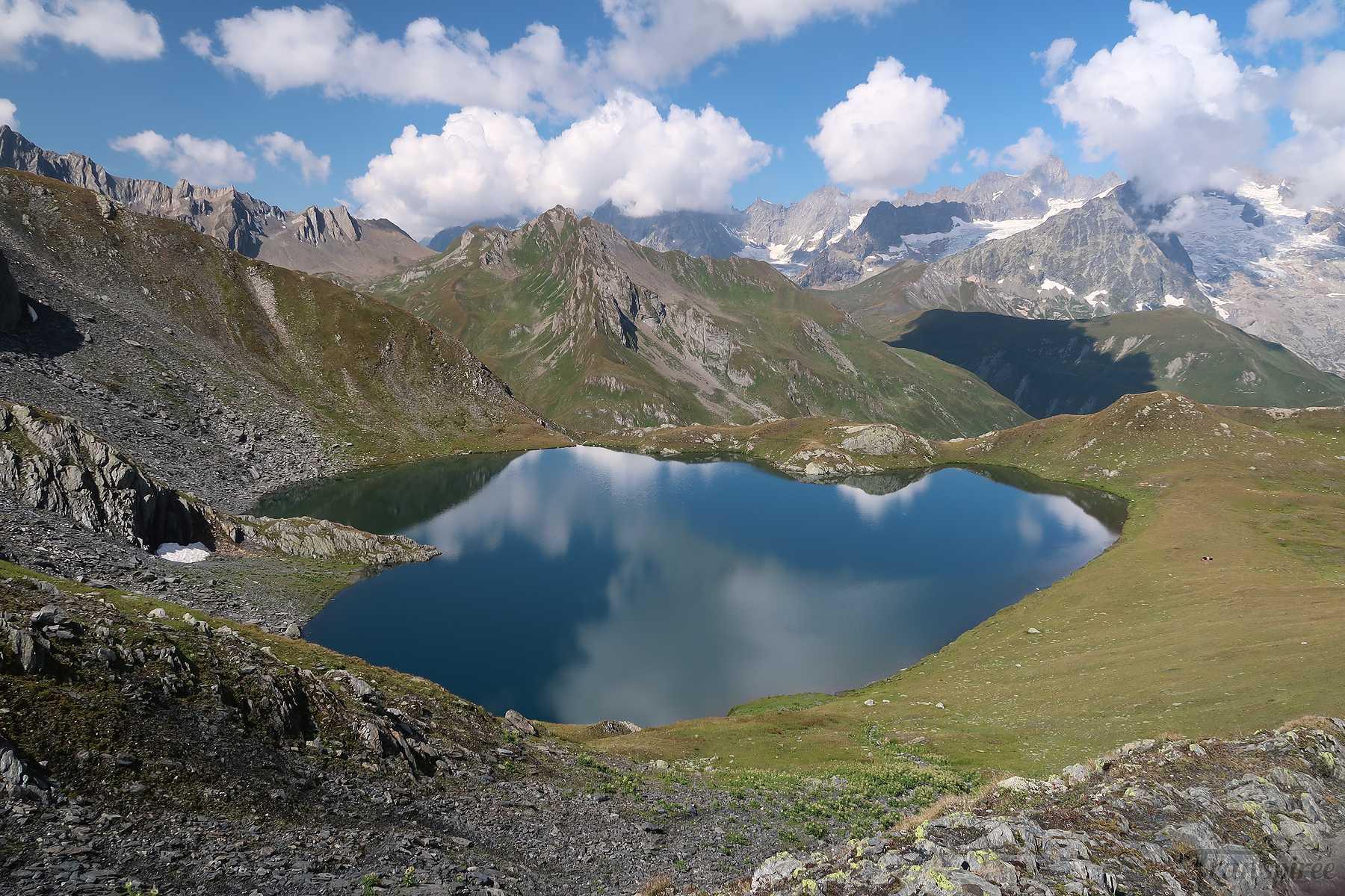 Randonnée au col du Grand Saint-Bernard depuis les lacs de Fenêtre