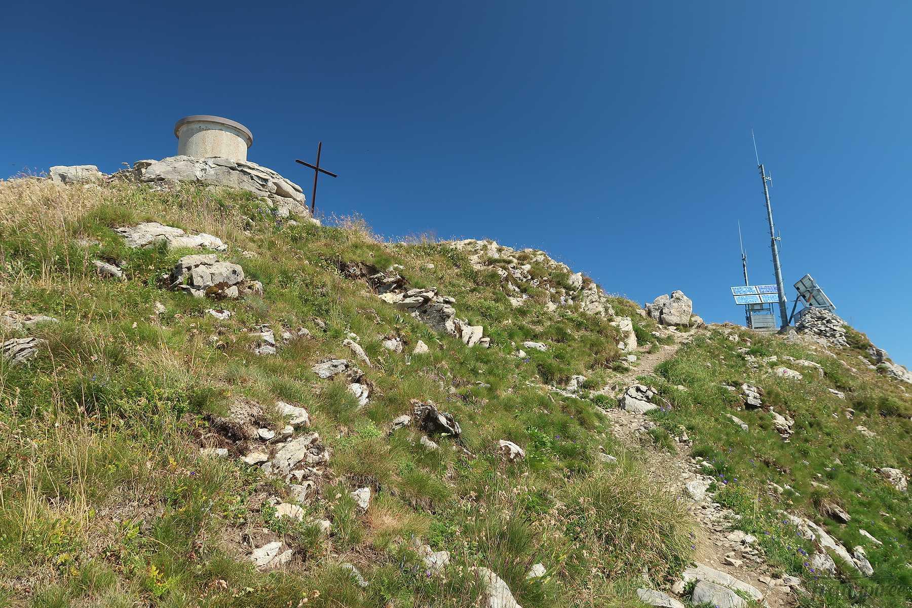 Randonnée au Mont de Grange depuis Plan les Feux. Retour par les chalets de Pertuis