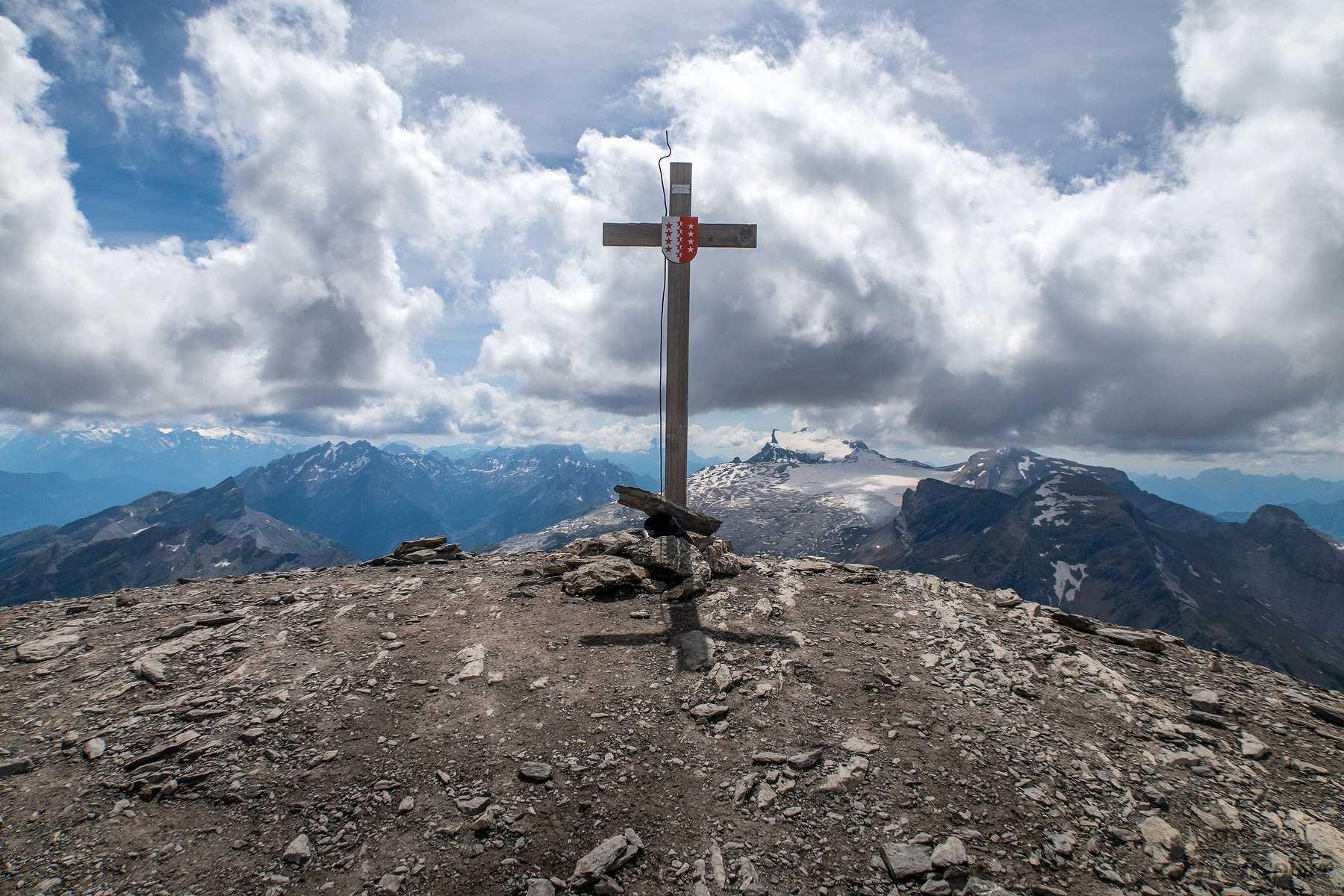 Randonnée à l'Arpelistock depuis le col du Sanetsch et du Brotsé