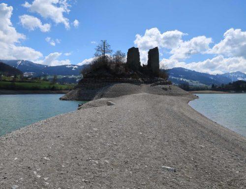 Randonnée aux ruines d'Ogoz, lac de Gruyère