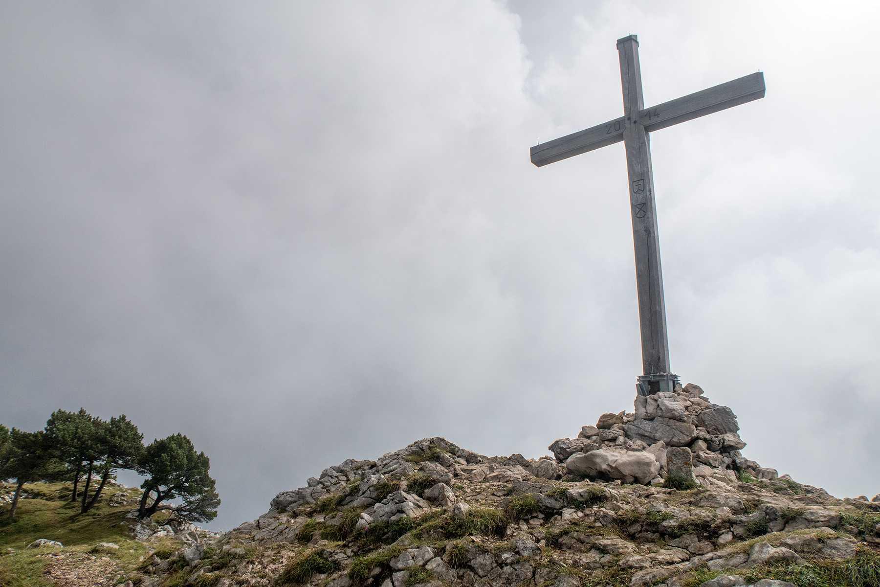 Randonnée aux Aiguilles de Beaulmes et Cave Noire depuis Sainte-Croix